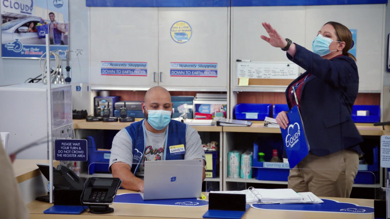 Microsoft Surface Laptop of Colton Dunn as Garrett McNeil in Superstore S06E06 (2)