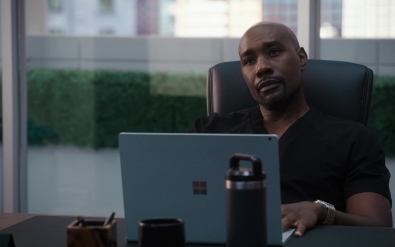 Microsoft Surface Laptop of Morris Chestnut as Barrett Cain in The Resident S04E02