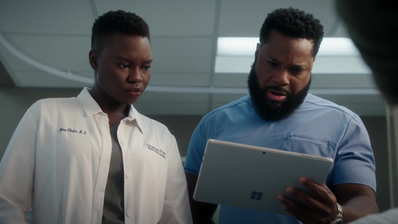 Microsoft Surface Tablet of Malcolm-Jamal Warner as Andre Jeremiah 'AJ-The Raptor' Austin in The Resident S04E02