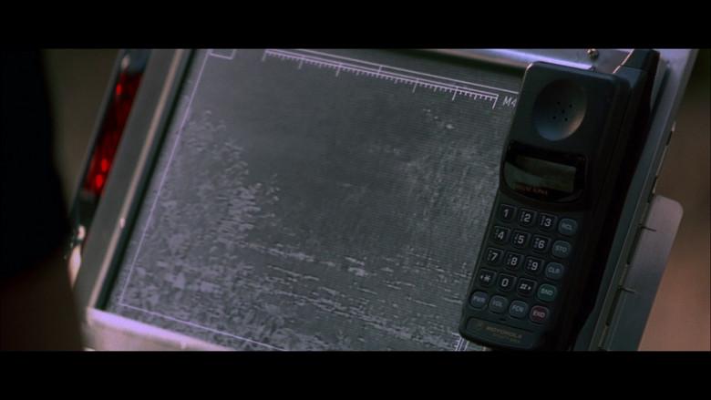 Motorola Dynasty Gold Deluxe Alpha Mobile Phone in The Jackal (1997)