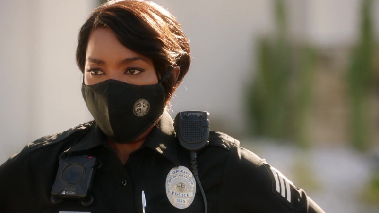 Motorola Radio of Angela Bassett as Athena Carter Grant Nash in 9-1-1 S04E01 (1)