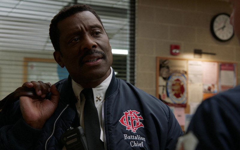 Motorola Radio of Eamonn Walker as Battalion Chief Wallace Boden in Chicago Fire S09E04 Funny What Things Remind Us (2021)