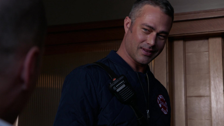 Motorola Radio of Taylor Kinney as Lieutenant Kelly Severide in Chicago Fire S09E03