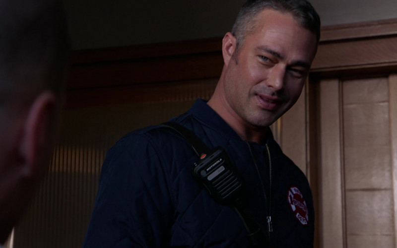 Motorola Radio of Taylor Kinney as Lieutenant Kelly Severide in Chicago Fire S09E03
