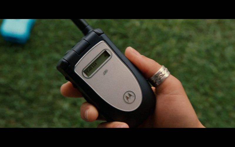 Motorola mobile phone in S.W.A.T. (2003)