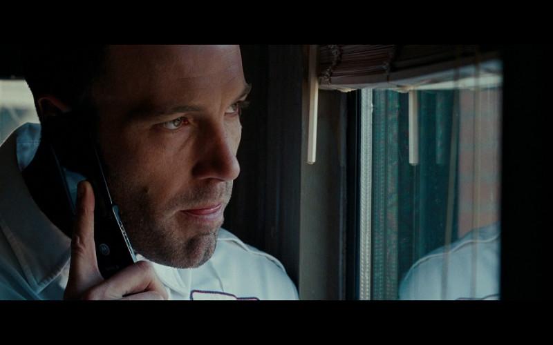 Motorola mobile phone of Ben Affleck as Douglas 'Doug' MacRay in The Town (2010)