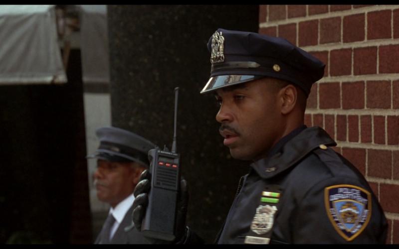 Motorola police radio in Ransom (1996)