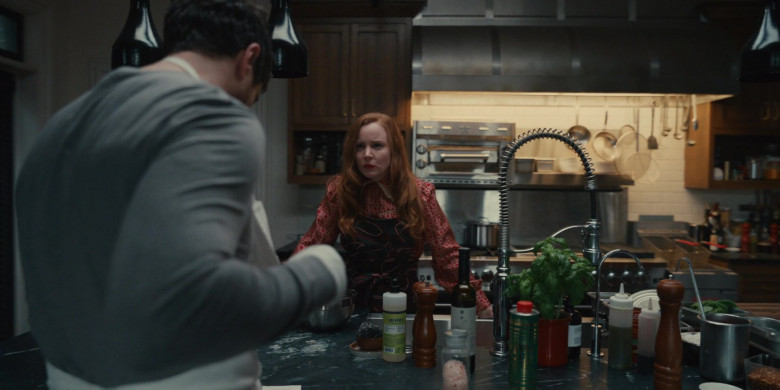 Mrs. Meyer's Clean Day in Servant S02E03 (2)