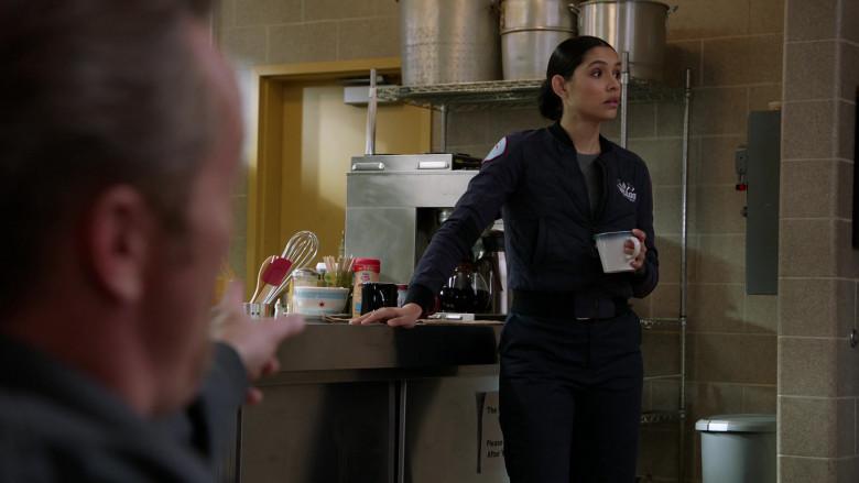 Nestle Coffee mate Coffee Creamer in Chicago Fire S09E04 (2)