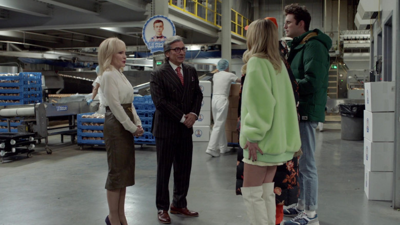 New Balance Men's Sneakers of John Reynolds as Drew Gardner in Search Party S04E06 (2)