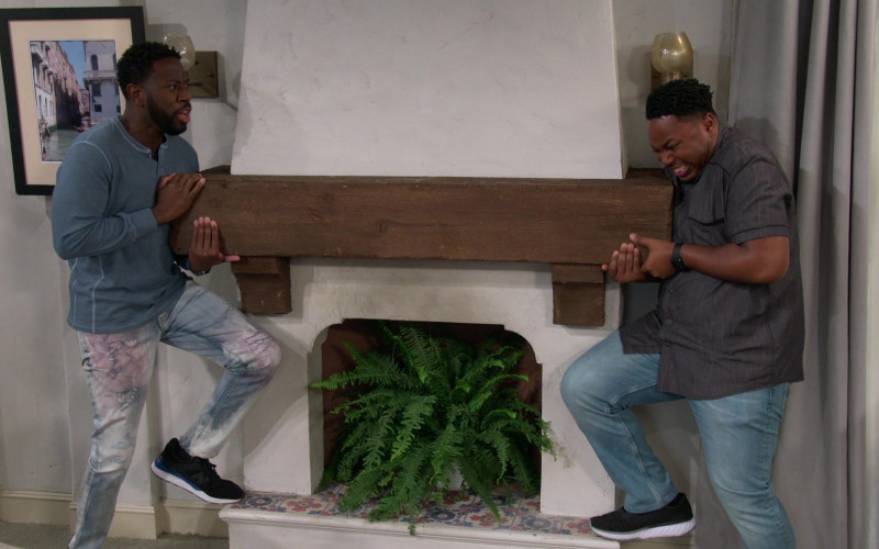 New Balance Men's Sneakers of Sheaun McKinney as Malcolm in The Neighborhood S03E08