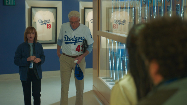 Nike Dodgers Shirt of Ted Danson as Neil Bremer in Mr. Mayor S01E05 Dodger Day (1)