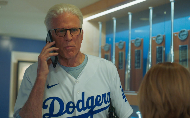 Nike Dodgers Shirt of Ted Danson as Neil Bremer in Mr. Mayor S01E05 Dodger Day (2)