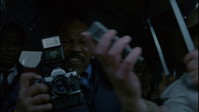 Nikon Camera in The Bonfire of the Vanities (1990)