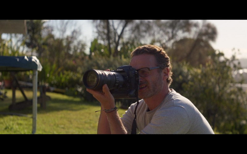 Nikon Camera of Andrew Lincoln as Cameron Bloom in Penguin Bloom (2020)