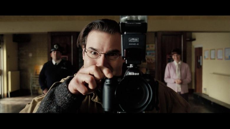 Nikon camera in Hot Fuzz (2007)
