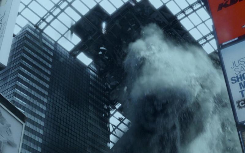 Oakley, L'oreal, Carfax in Resident Evil Retribution (2012)
