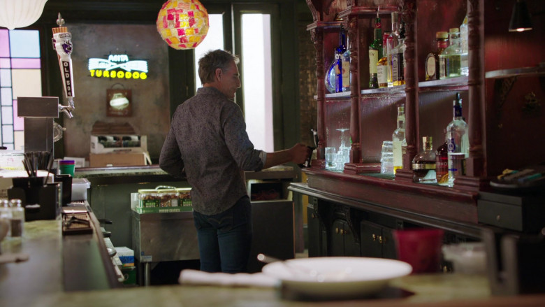 Old 504 Beer by Chafunkta Brewing Company and Abita Turbodog Sign in NCIS New Orleans S07E06 (1)