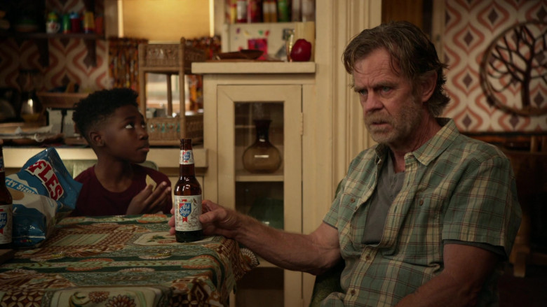 Old Style Beer Enjoyed by William H. Macy as Frank in Shameless S11E04 (3)
