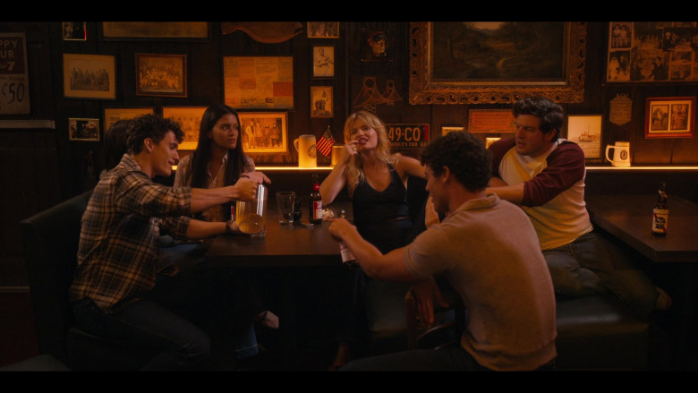 Pabst Blue Ribbon Beer Bottles in Bridge and Tunnel S01E01 The Graduates 2021 (2)