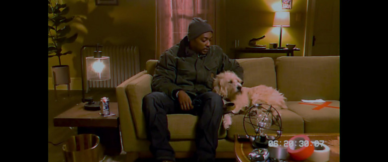 Pabst Blue Ribbon Beer Can of Anthony Mackie as Steve Denube in Synchronic Movie (2)