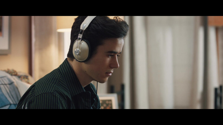Panasonic Headphones of Keean Johnson in The Ultimate Playlist of Noise (1)