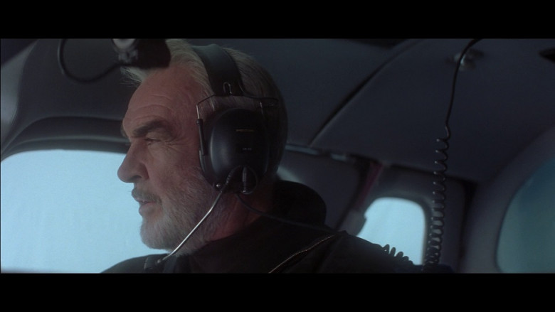 Peltor aviation headset in Entrapment (1999)