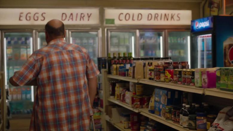 Pepsi Vending Machine in Kim's Convenience S05E01 Parking Pass (2021)