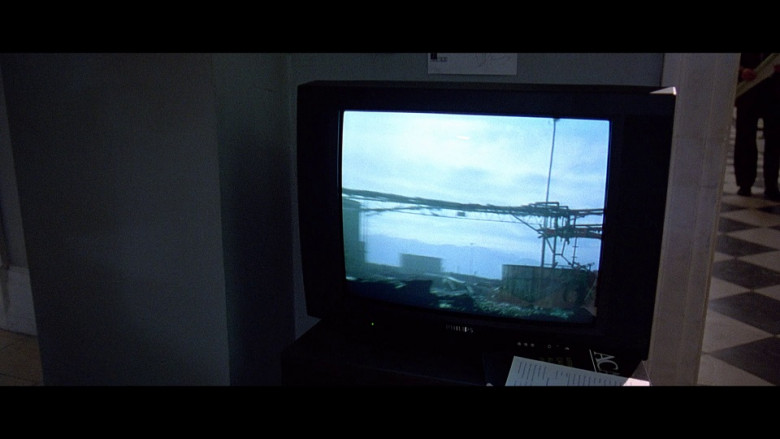 Philips TV in The Peacemaker (1997)