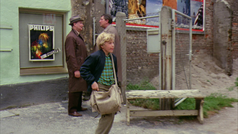 Philips in Willy Wonka & the Chocolate Factory Movie (2)