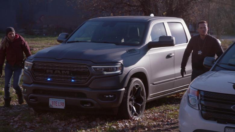 Ram 1500 Pickup Truck in Chicago P.D. S08E04 TV Series (2)