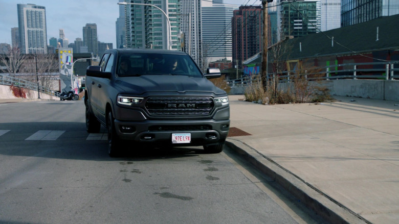 Ram 1500 Pickup Truck in Chicago P.D. S08E04 TV Series (5)