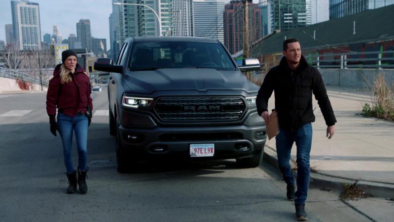 Ram 1500 Pickup Truck in Chicago P.D. S08E04 TV Series (6)