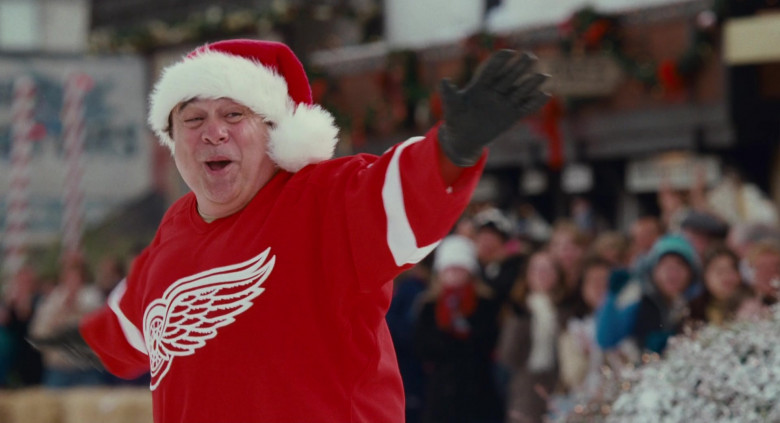 Reebok Detroit Red Wings Ice Hockey Team Jersey of Danny DeVito as Buddy Hall in Deck the Halls (3)