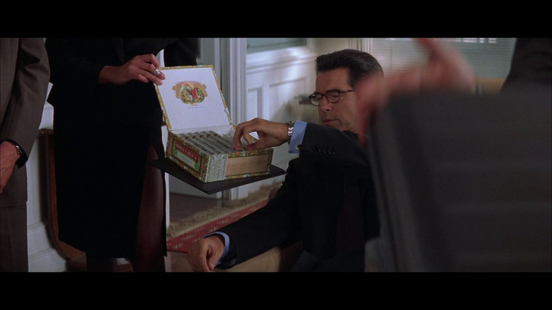 Romeo y Julieta Cigars Enjoyed by Pierce Brosnan as James Bond in The World Is Not Enough (1999)
