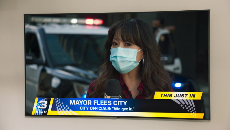 Samsung Television in Mr. Mayor S01E01 (1)