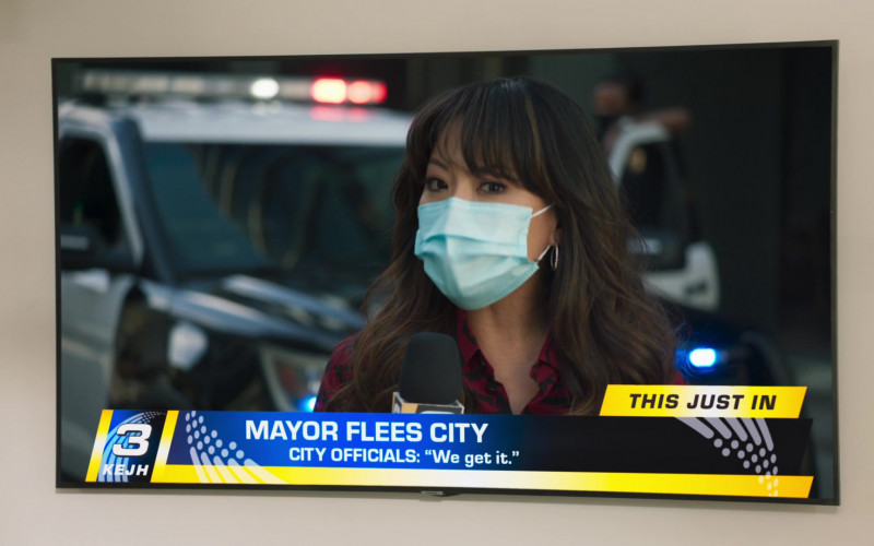 Samsung Television in Mr. Mayor S01E01 (1)
