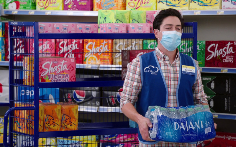 Shasta Drinks, Pepsi, LaCroix Sparkling Water, Pink Cranberry Juice Cocktails, Dasani in Superstore S06E05