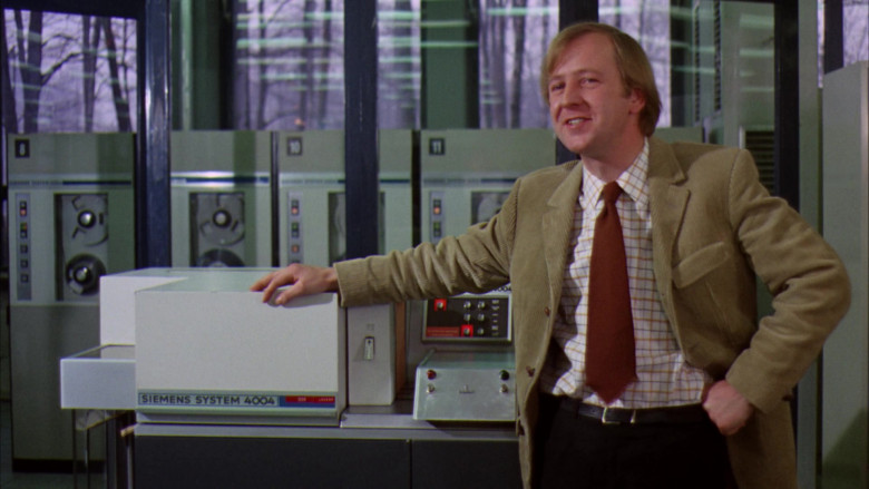 Siemens System 4004 Computer in Willy Wonka & the Chocolate Factory Movie (1)