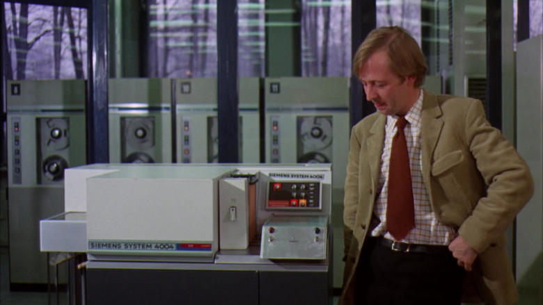 Siemens System 4004 Computer in Willy Wonka & the Chocolate Factory Movie (2)