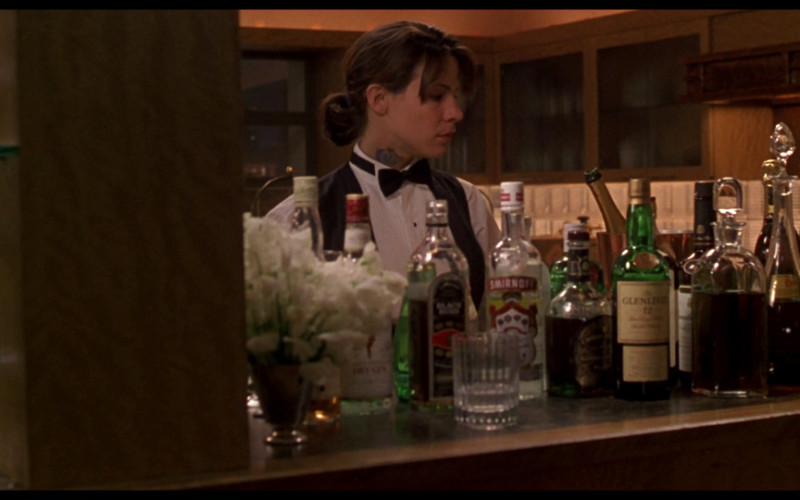 Smirnoff vodka, Chivas Regal, The Glenlivet 12 Whisky in Ransom (1996)