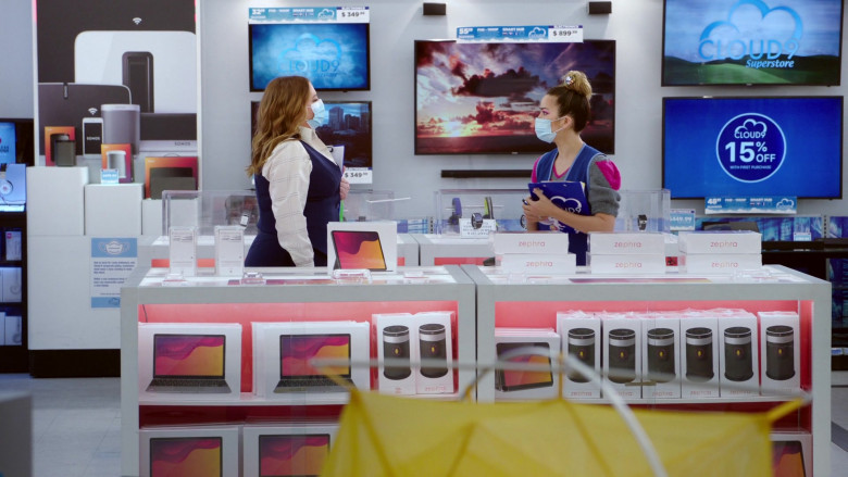 Sonos Speakers in Superstore S06E07 The Trough (2021)