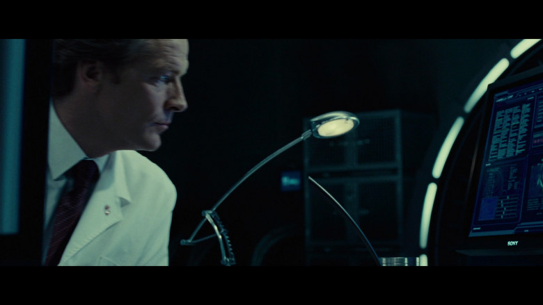 Sony Computer Monitor of Iain Glen as Dr. Alexander Isaacs in Resident Evil Extinction (1)