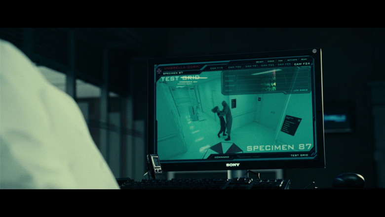 Sony Computer Monitor of Iain Glen as Dr. Alexander Isaacs in Resident Evil Extinction (3)