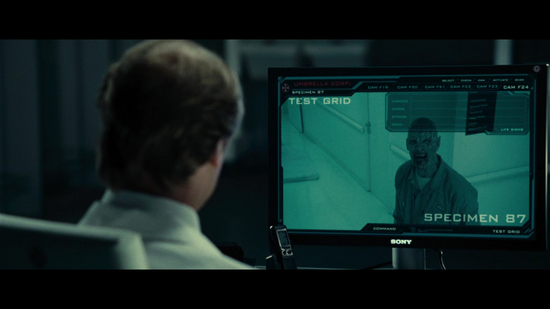 Sony Computer Monitor of Iain Glen as Dr. Alexander Isaacs in Resident Evil Extinction (4)