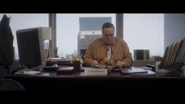 Sony Computer Monitor of Kevin James as Albert Brennaman in Hitch (2005)