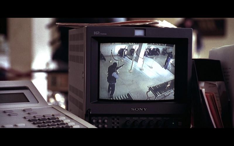 Sony HR Trinitron Monitor in Don't Say a Word (2001)
