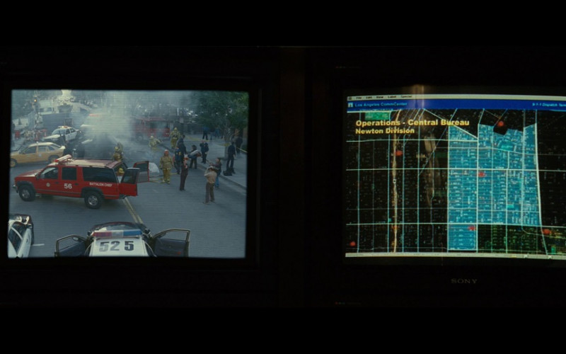 Sony Monitor in S.W.A.T. (2003)