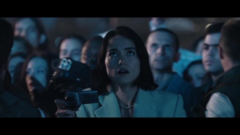 Sony Video Camera of Sandrine Holt as Terri Morales in Resident Evil Apocalypse (1)