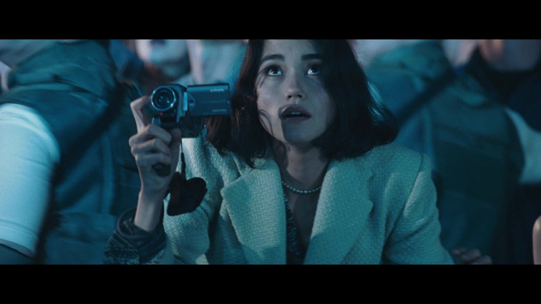 Sony Video Camera of Sandrine Holt as Terri Morales in Resident Evil Apocalypse (2)